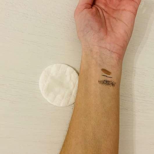 Unterarm vor der Anwendung des ISANA Augen Make-Up Entferner Ölfrei