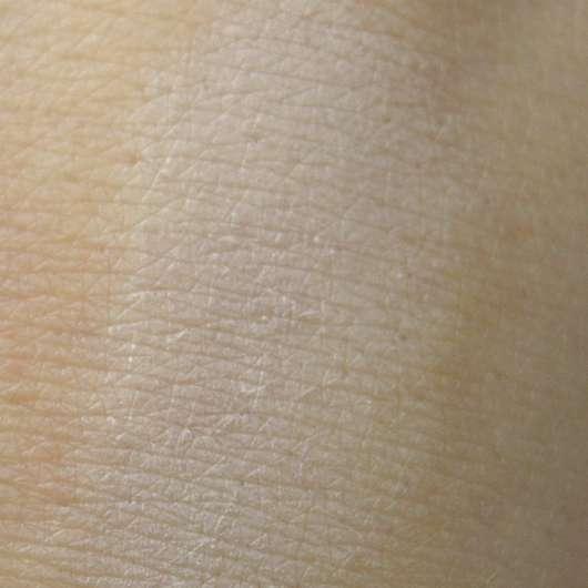 Misslyn True Color Eyeshadow Base - Swatch