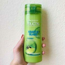 Produktbild zu Garnier Fructis Kraft & Glanz Kräftigendes Shampoo