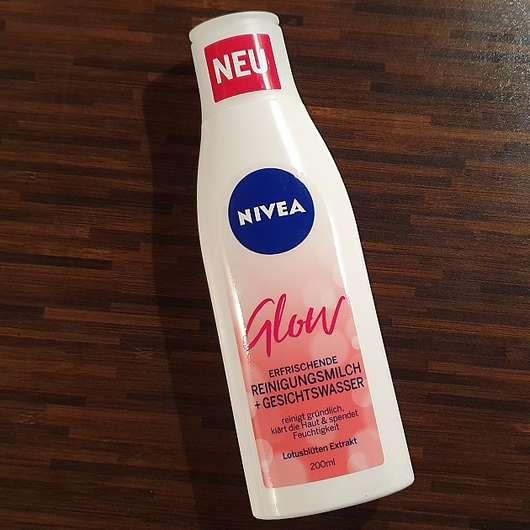 <strong>NIVEA</strong> Glow Erfrischende Reinigungsmilch + Gesichtswasser