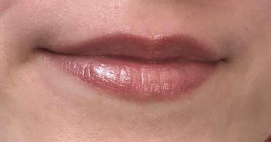 Lippen mit Alterra Naturkosmetik Lipgloss, Farbe: 06 Honey Rose