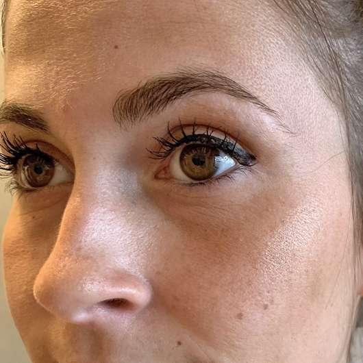 Gesicht mit ARTDECO Glow Bronzer (LE)