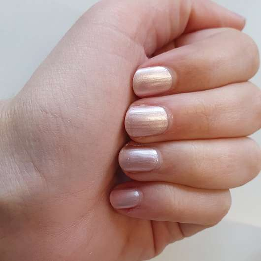 essence shine last & go! gel nail polish, Farbe: 06 frosted kiss