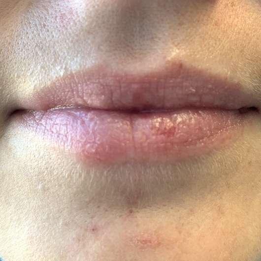Lippen nach der Anwendung des HelloBody Coco Kiss Lip Scrub