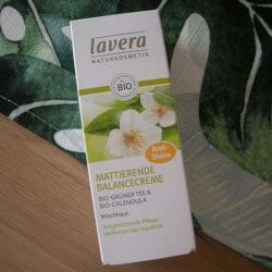 Produktbild zu lavera Naturkosmetik Mattierende Balancecreme Bio-Grüner Tee & Bio-Calendula