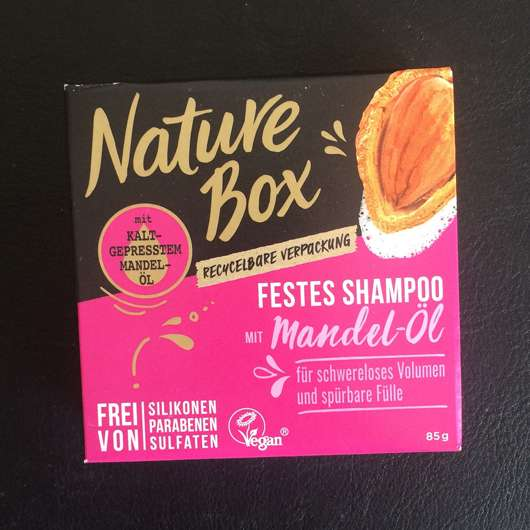 <strong>Nature Box</strong> Festes Shampoo mit Mandel-Öl
