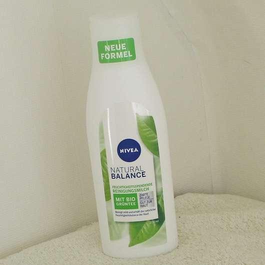 NIVEA Natural Balance Feuchtigkeitsspendende Reinigungsmilch