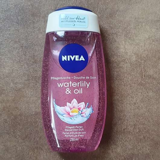 NIVEA Pflegedusche waterlily & oil