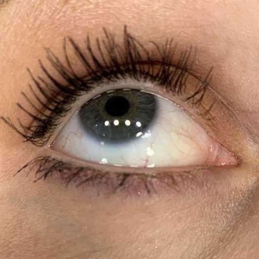 Auge mit essence cosmetics you better work! volume & curl Mascara
