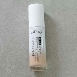 Produktbild zu IsaDora Skin Beauty Perfecting & Protecting Foundation SPF 35 – Farbe: 03 Nude