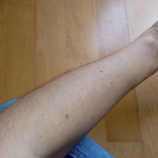 Haut nachdem das Sonnenspray eingezogen ist