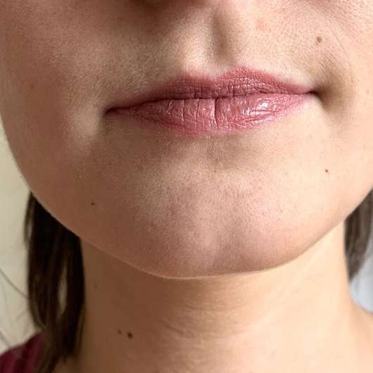 Lippen mit M. Asam MAGIC FINISH Satin Lipstick, Farbe: Rosewood