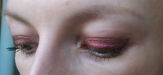 Augen Make-up mit dem Make Up Factory Cooling Eyeshadow Stick, Farbe: 14 Pink Illusion (LE)