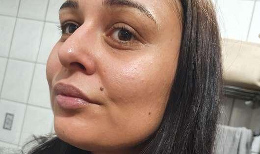 Gesicht ohne Pixi +C Vit Glow-y Powder, Farbe: Peach Dew
