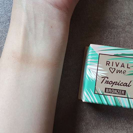 RIVAL loves me Tropical Bronzer, Farbe: 01 waikiki - Swatch