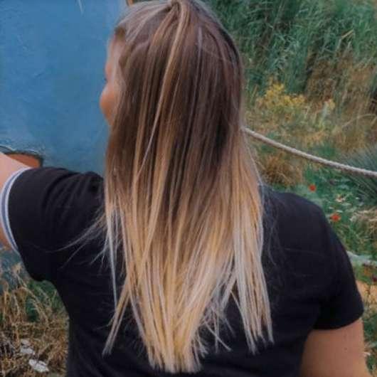 Haare nach dem Waschen mit dem Alterra Naturkosmetik Festes Shampoo Bio-Orange & Bio-Vanille