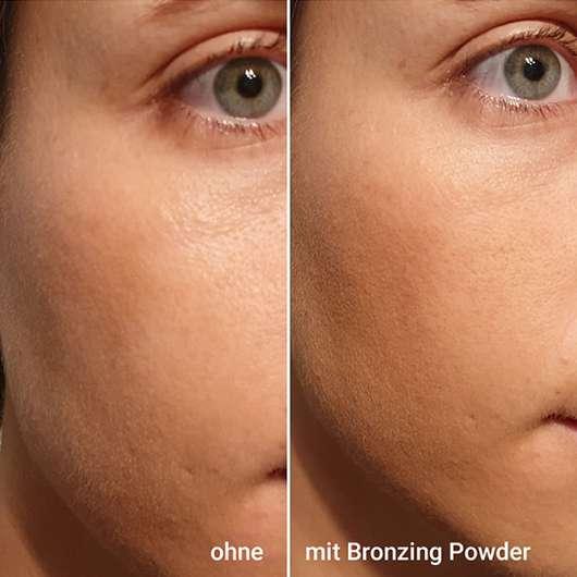 Gesicht ohne/mit IsaDora Bronzing Powder, Farbe: 02 Nude Flush (LE)