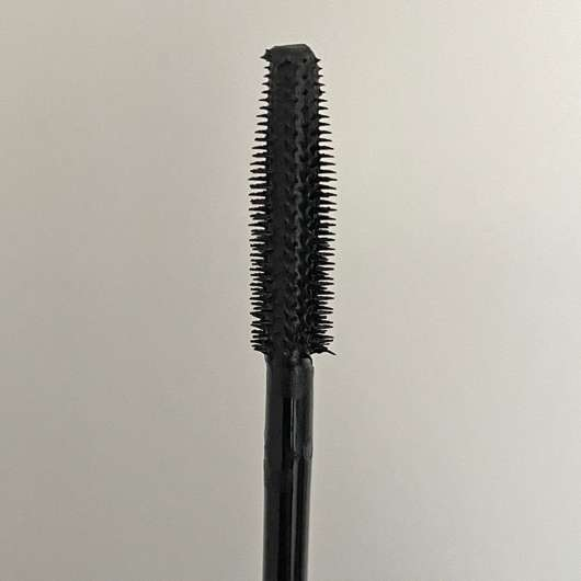 RIVAL loves me Maxi Definition Mascara waterproof - Bürste