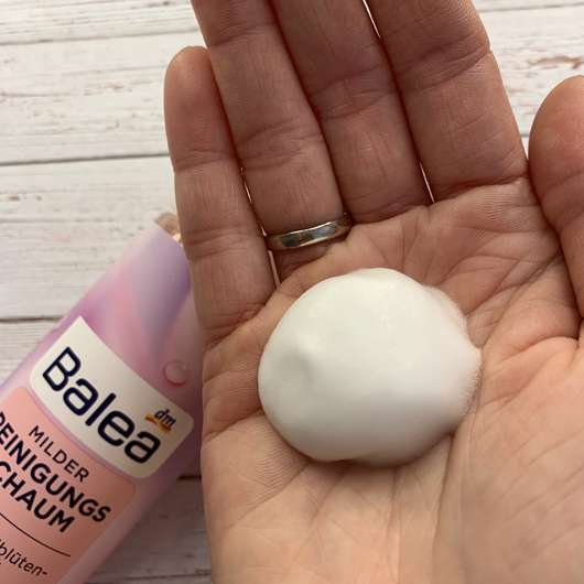 Balea Milder Reinigungsschaum (trockene und sensible Haut) - Konsistenz