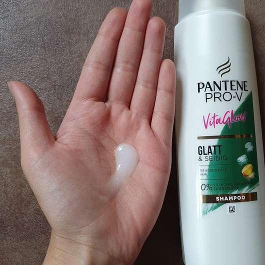 Pantene Pro-V VitaGlow Glatt & Seidig Shampoo - Konsistenz