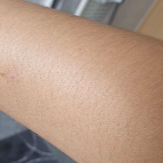 Balea Schimmerspray Copacabana (LE) - leichter Schimmer auf dem Arm
