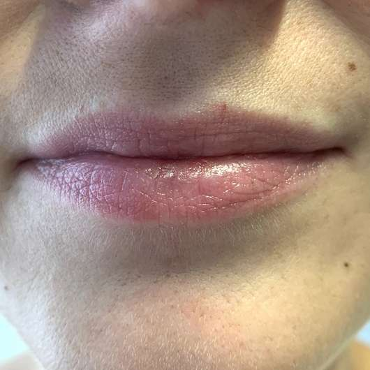 """Lippen mit DIONIS Goat Milk Lip Balm """"Berry"""""""