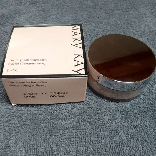 <strong>Mary Kay</strong> Mineral Powder Foundation - Farbe: 1 Ivory