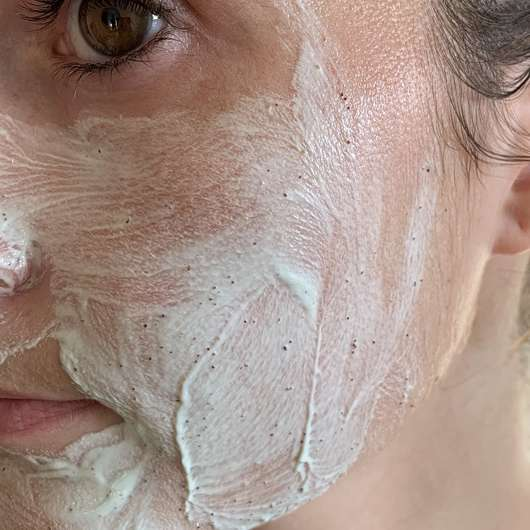 Gesicht mit МOY by Stefanie Giesinger Beauty Booster Mask