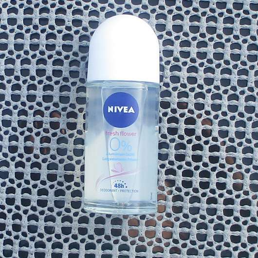NIVEA fresh flower Deodorant Roll-On