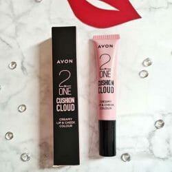 Produktbild zu AVON CUSHION CLOUD Cremige Lippen- & Wangenfarbe – Farbe: Sugar And Spice