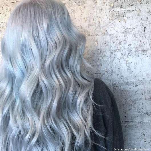 Titanium Silver ist die wohl coolste Haarfarbe diesen Herbst