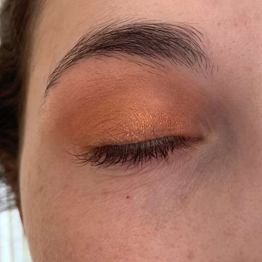 Sleek Makeup i-Divine Eyeshadow Palette, Farbe: Royal Flush - geschminktes Auge mit drei Farben