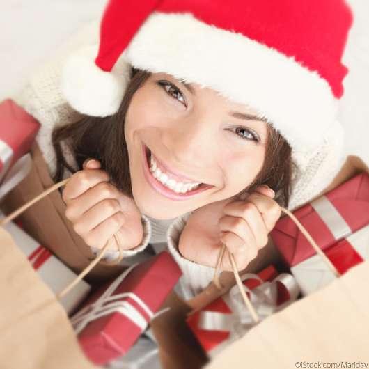 Von süß bis schräg: Coole Beauty-Geschenke für unter 20 Euro