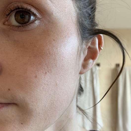 ISANA Hydrogel Maske Glow & Shine - Haut vor dem Test