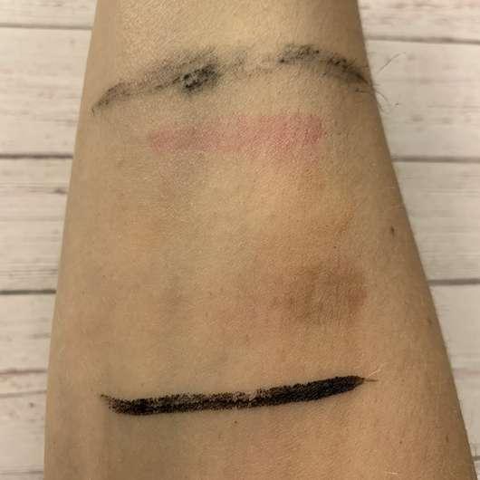 Unterarm mit Schminke nach der Anwendung des Alterra 2-Phasen Augen-Make-up Entferners