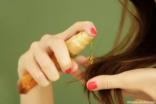 Haaröl: Mit diesen Tipps wirkt das Haar nicht fettig