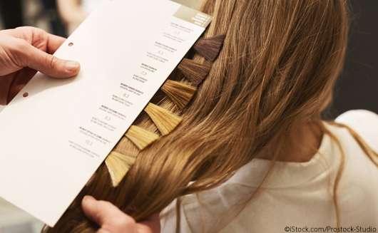 Board Balayage: Das steckt hinter der Haarfärbe-Technik