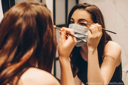 So hält das Make-up unter dem Mundschutz