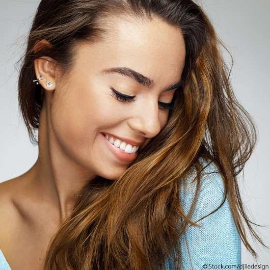 Roasted Caramel ist DER Haarfarben-Trend 2021 für Brünette