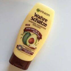 Produktbild zu Garnier Wahre Schätze Intensiv Nährende Spülung Avocado-Öl & Sheabutter