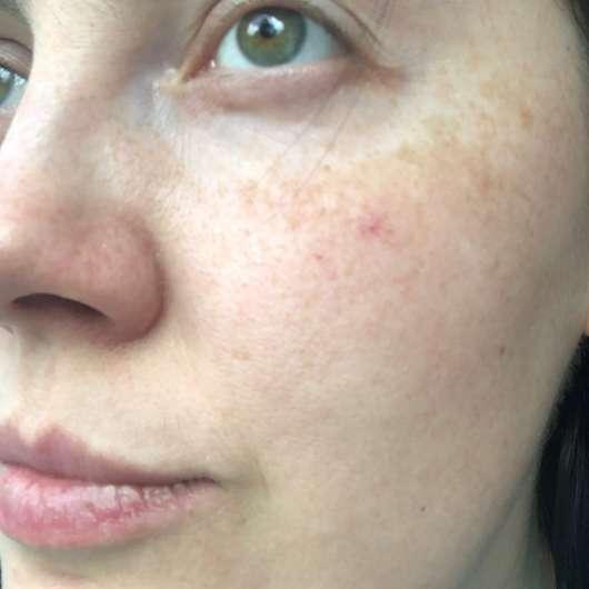 ISANA Milder Reinigungsschaum - Haut vor dem Test