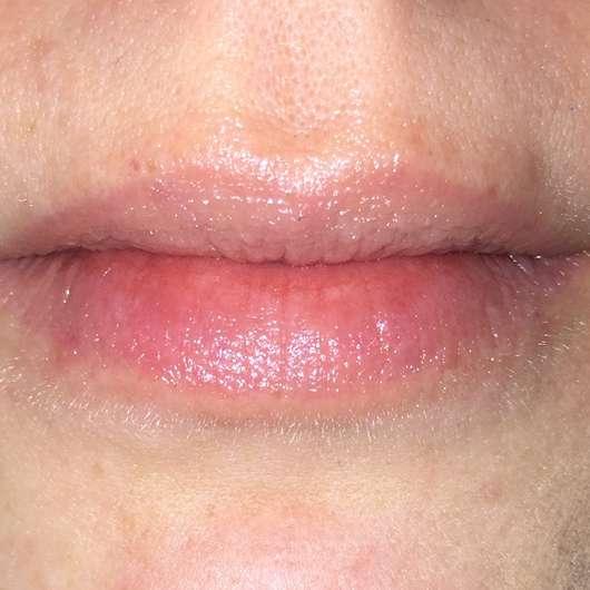 Lippen mit Kneipp Lippenpflege Sinnlich (Holunder Kartité)