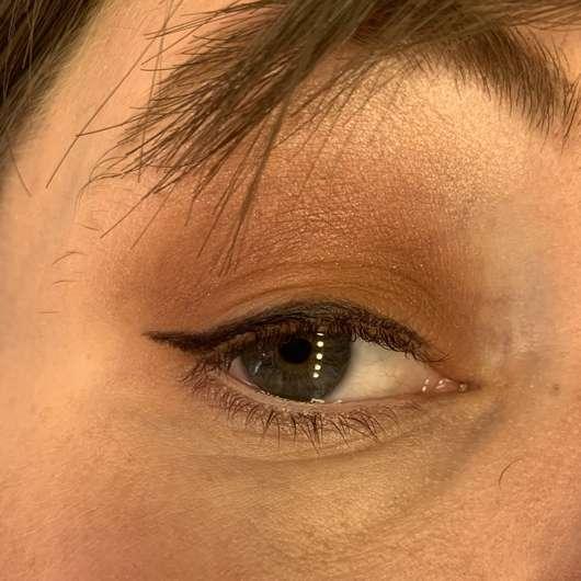 Auge mit Maybelline New York Hyper Precise Liquid Eyeliner, Farbe: Black
