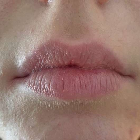 Lippen ohne IsaDora Glossy Lip Treat, Farbe: 53 Sweet Peach