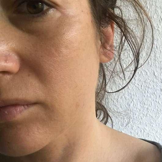 Haut mit Pixi Beauty Balm, Farbe: 03 Warm + Feuchtigkeitspflege