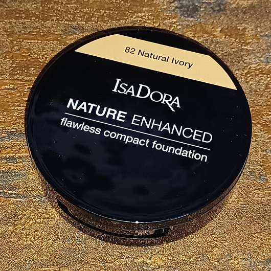 <strong>IsaDora</strong> Nature Enhanced Flawless Compact Foundation - Farbe: 82 Natural Ivory
