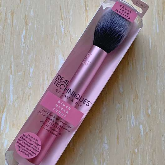 <strong>Real Techniques</strong> Blush Brush RT 400