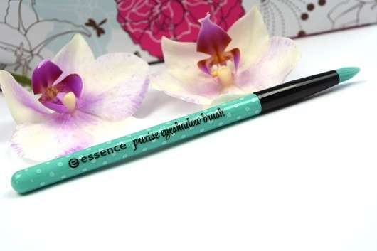 essence make me pretty precise eyeshadow brush - 01 eye to eye (LE)